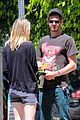 emma stone andrew garfield burgers and books 09