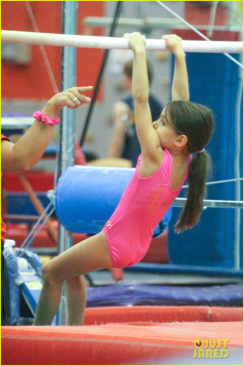 suri gymnastics 03