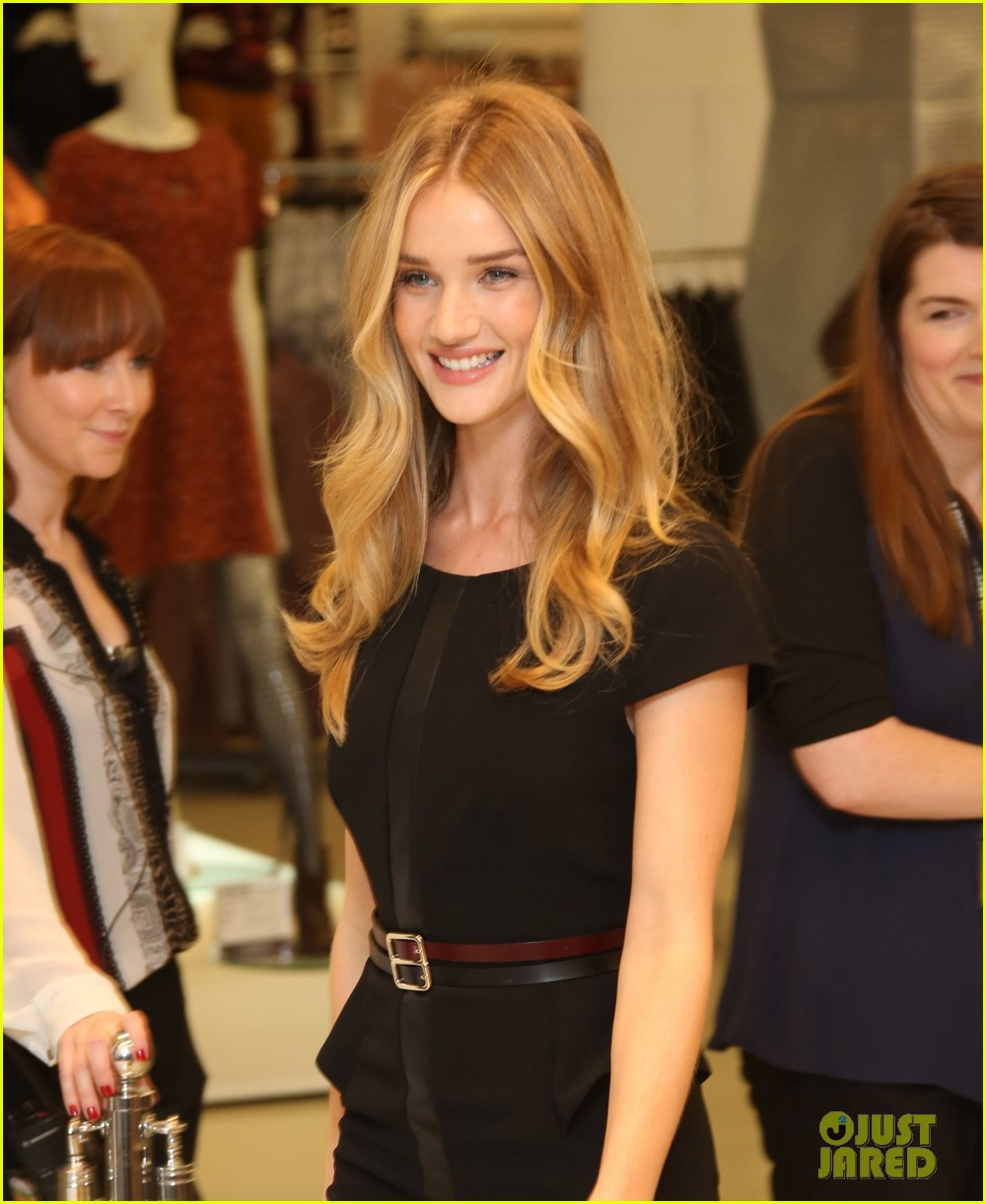 rosie huntington whiteley rosie for autograph launch 042711159