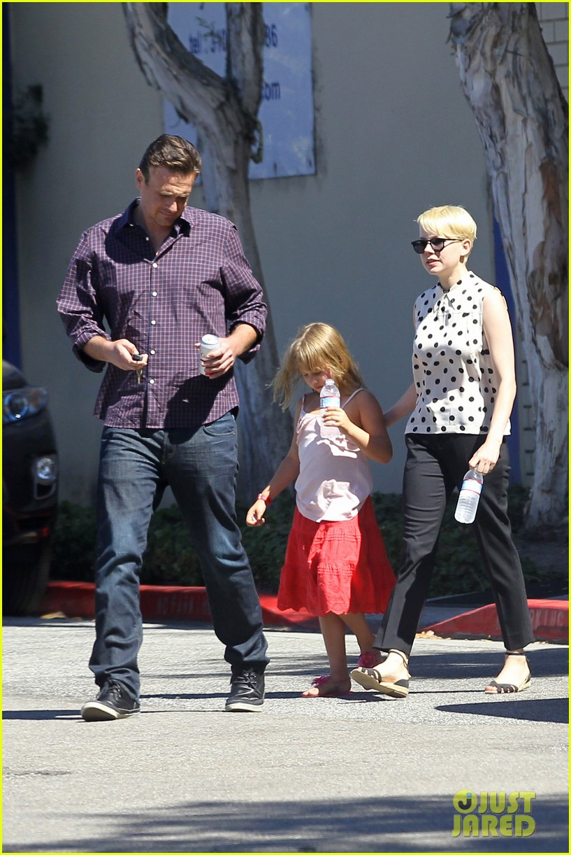 michelle williams jason segel ice cream with matilda 16