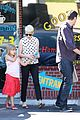 michelle williams jason segel ice cream with matilda 11