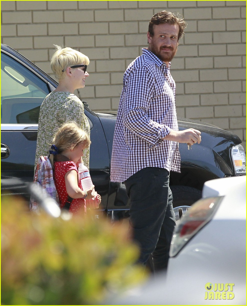 michelle williams jason segel matilda pick up 05