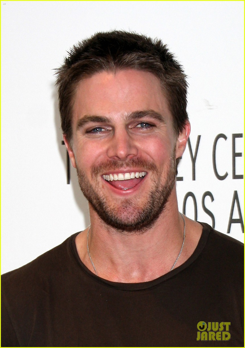 stephen amell arrow screening at paley center 02