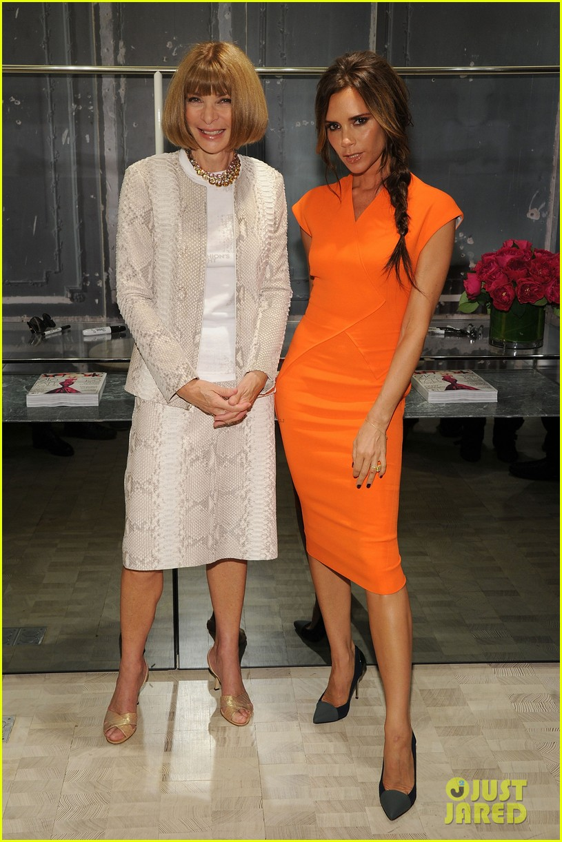 victoria beckham fashions night out with anna wintour 01