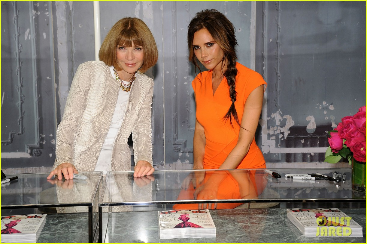 victoria beckham fashions night out with anna wintour 04