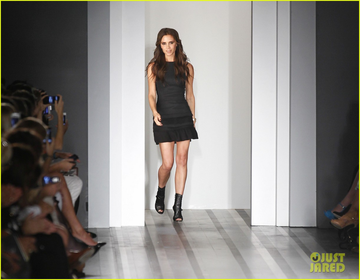 full sized photo of victoria beckham shows line fashion week 01 photo 2717978 just jared. Black Bedroom Furniture Sets. Home Design Ideas