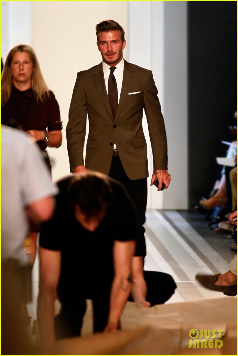 victoria beckham shows line fashion week 03