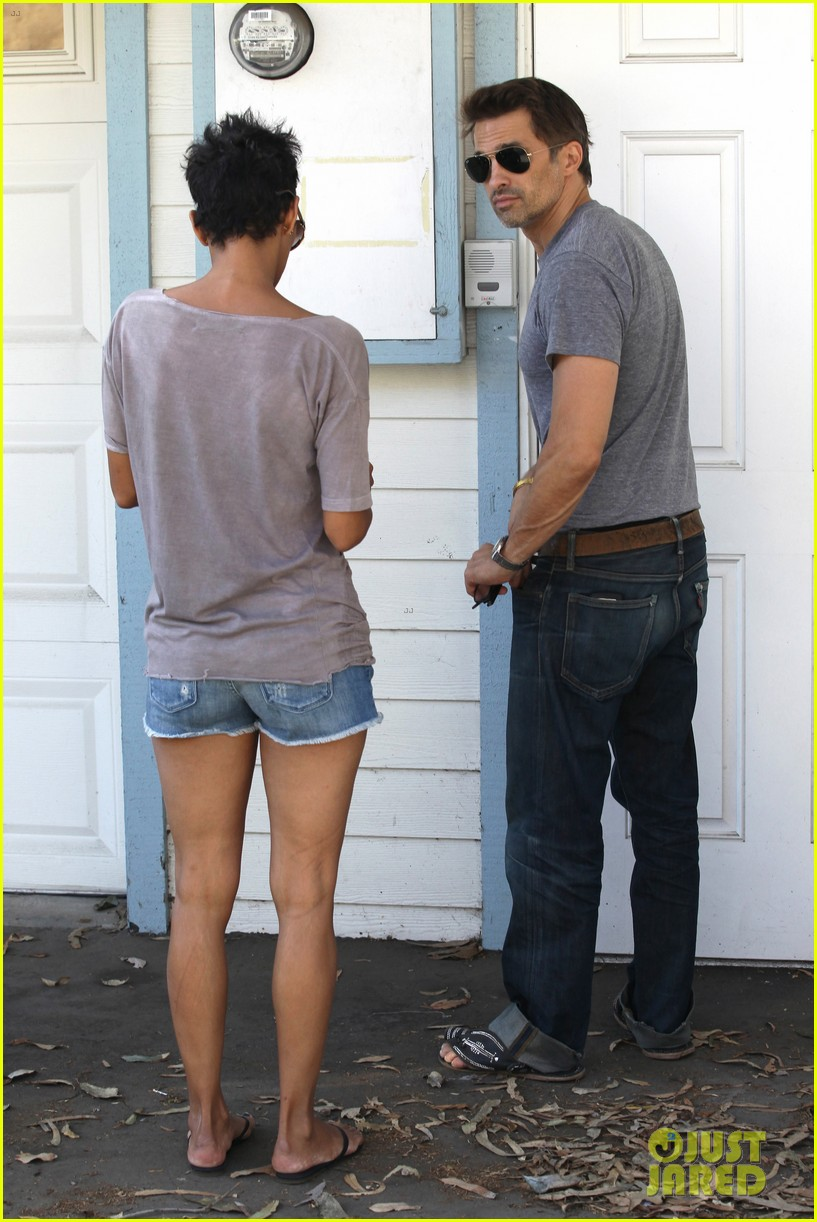 halle berry olivier martinez house hunting in malibu 03