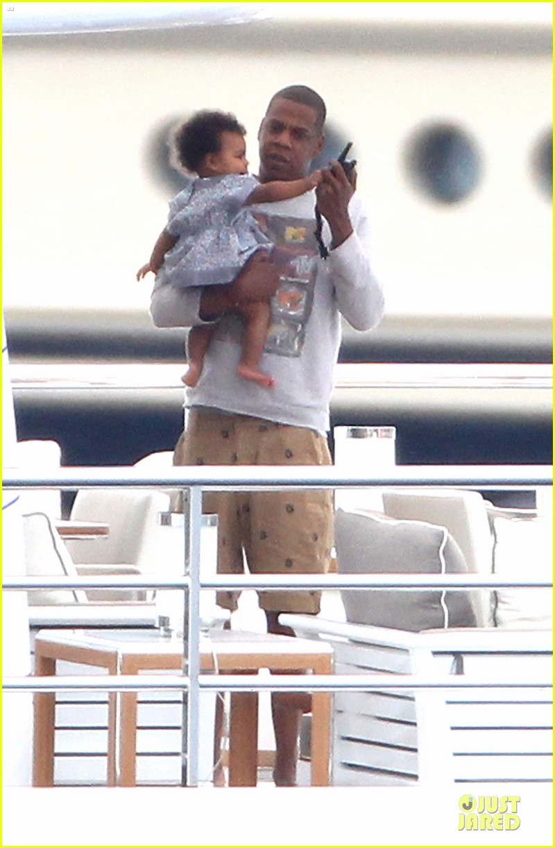 beyonce jayz yacht vacation france 05