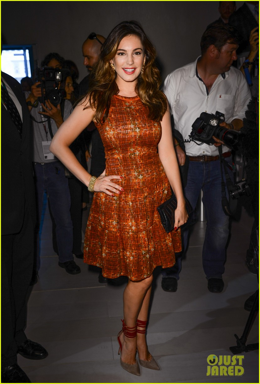 kelly brook london fashion week with thom evans 05
