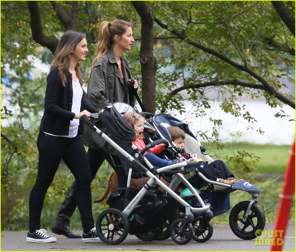 gisele bundchen saturday stroll with benjamin lua 032726527