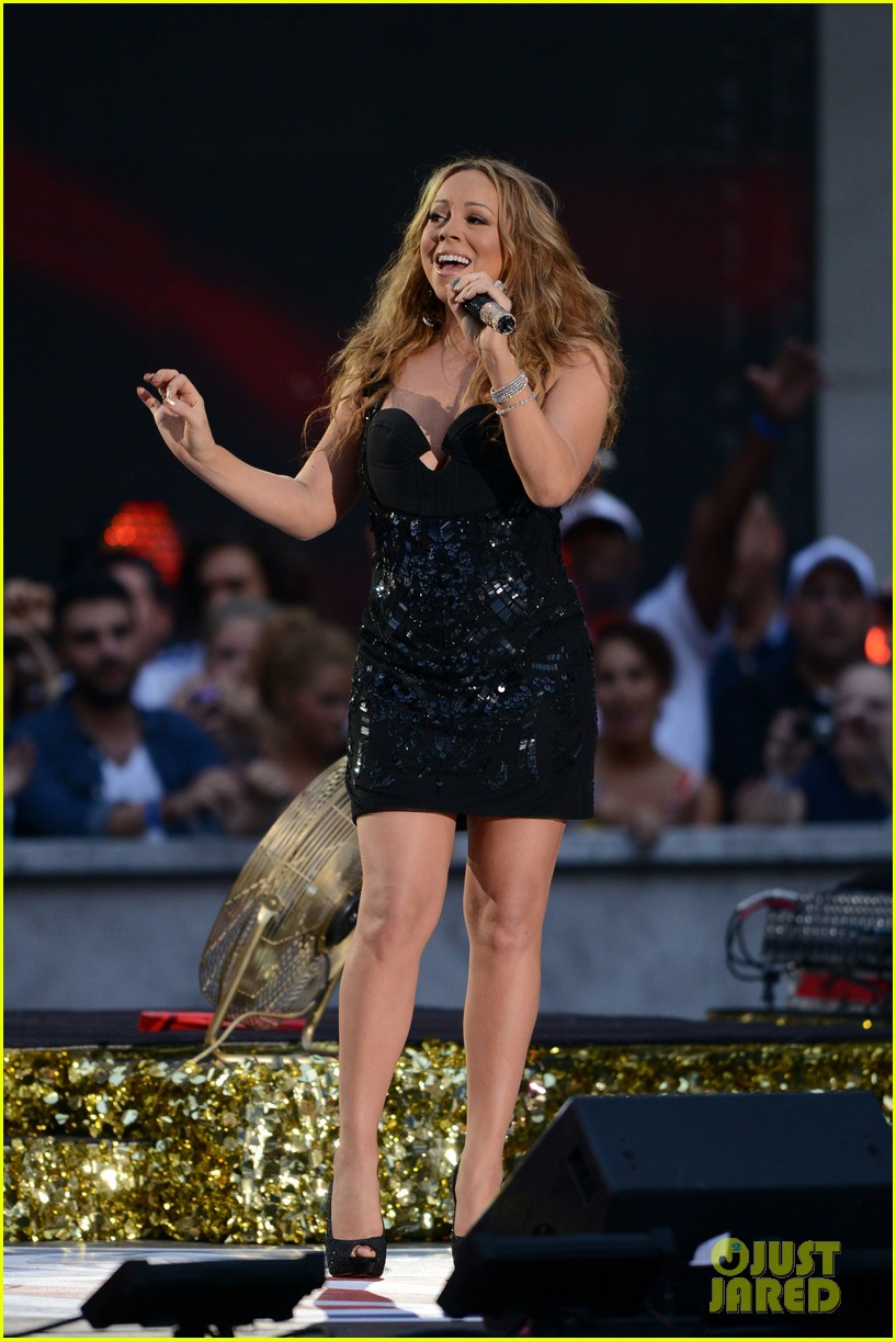 mariah carey triumphant at nfl kick off concert 09