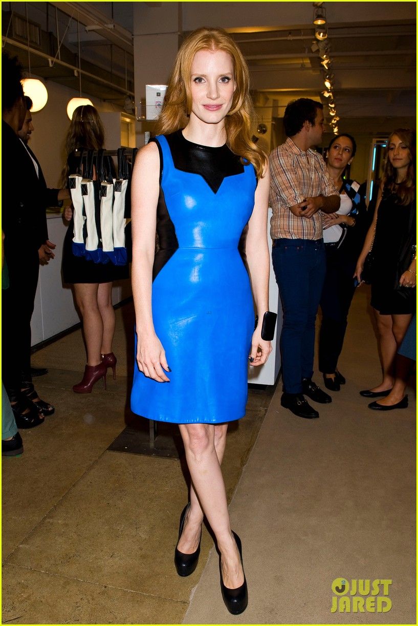 jessica chastain fashions night out at jeffreys 07