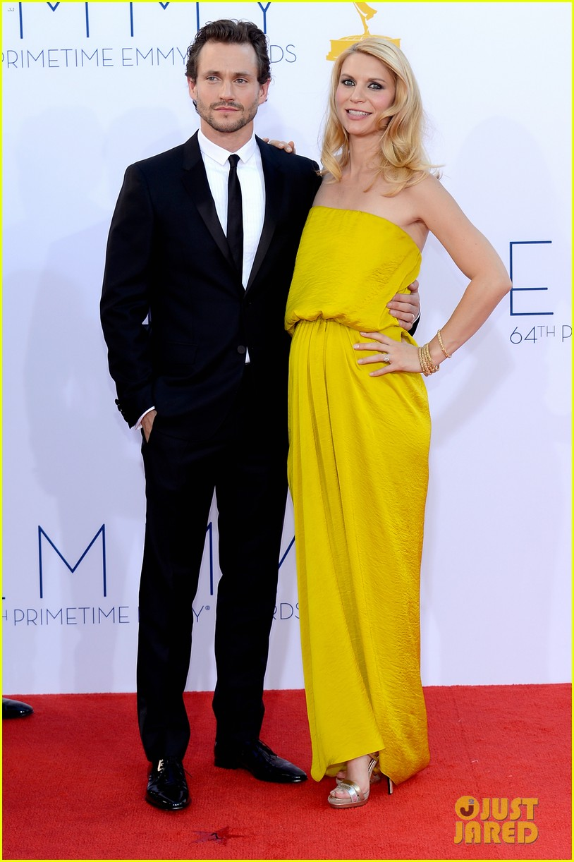 claire danes hugh dancy emmys 2012 red carpet 032727321