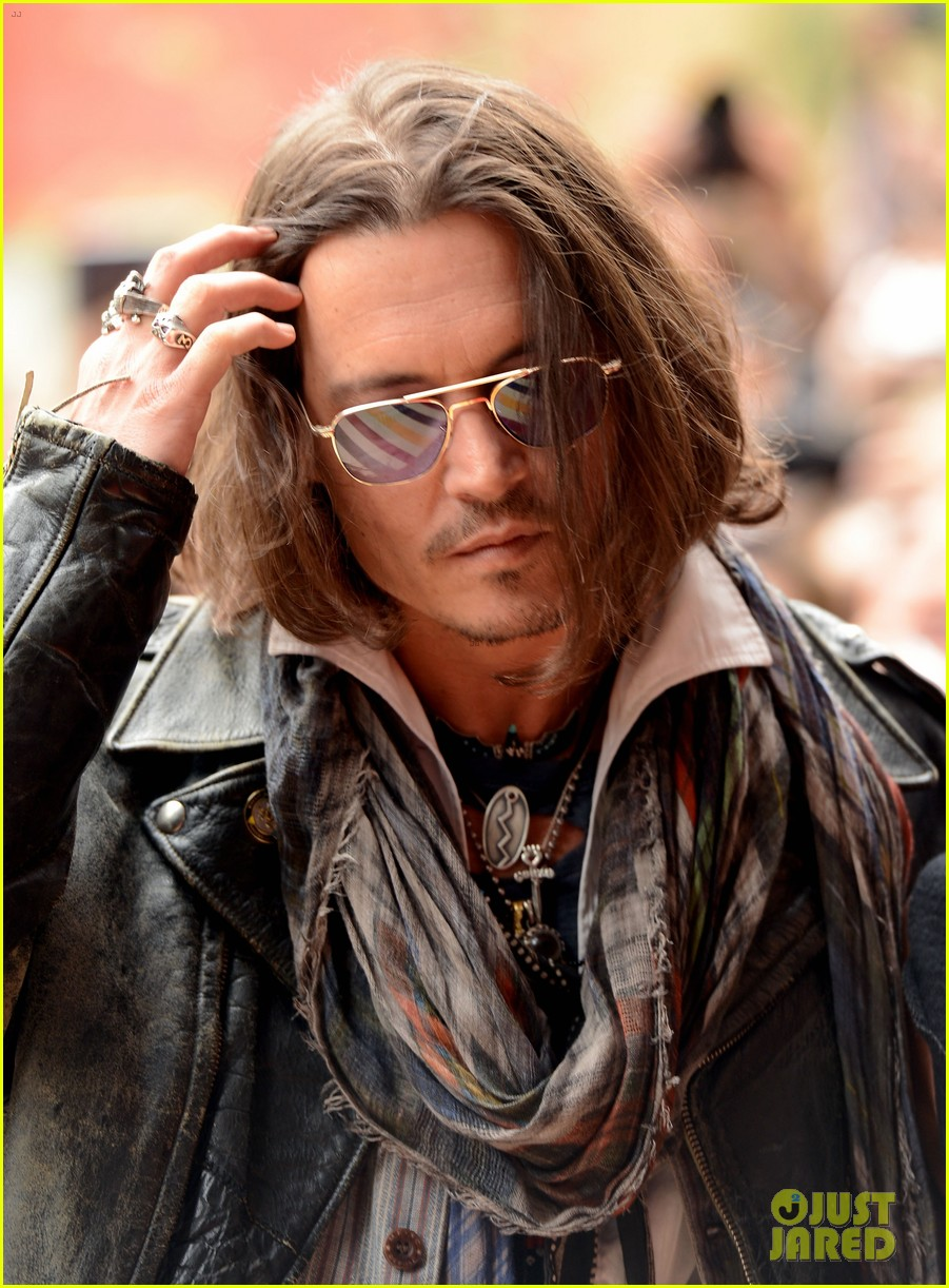 Johnny depp pelo largo o corto