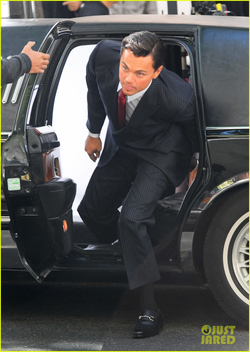 leonardo dicaprio wolf of wall street set with margot robbie 11