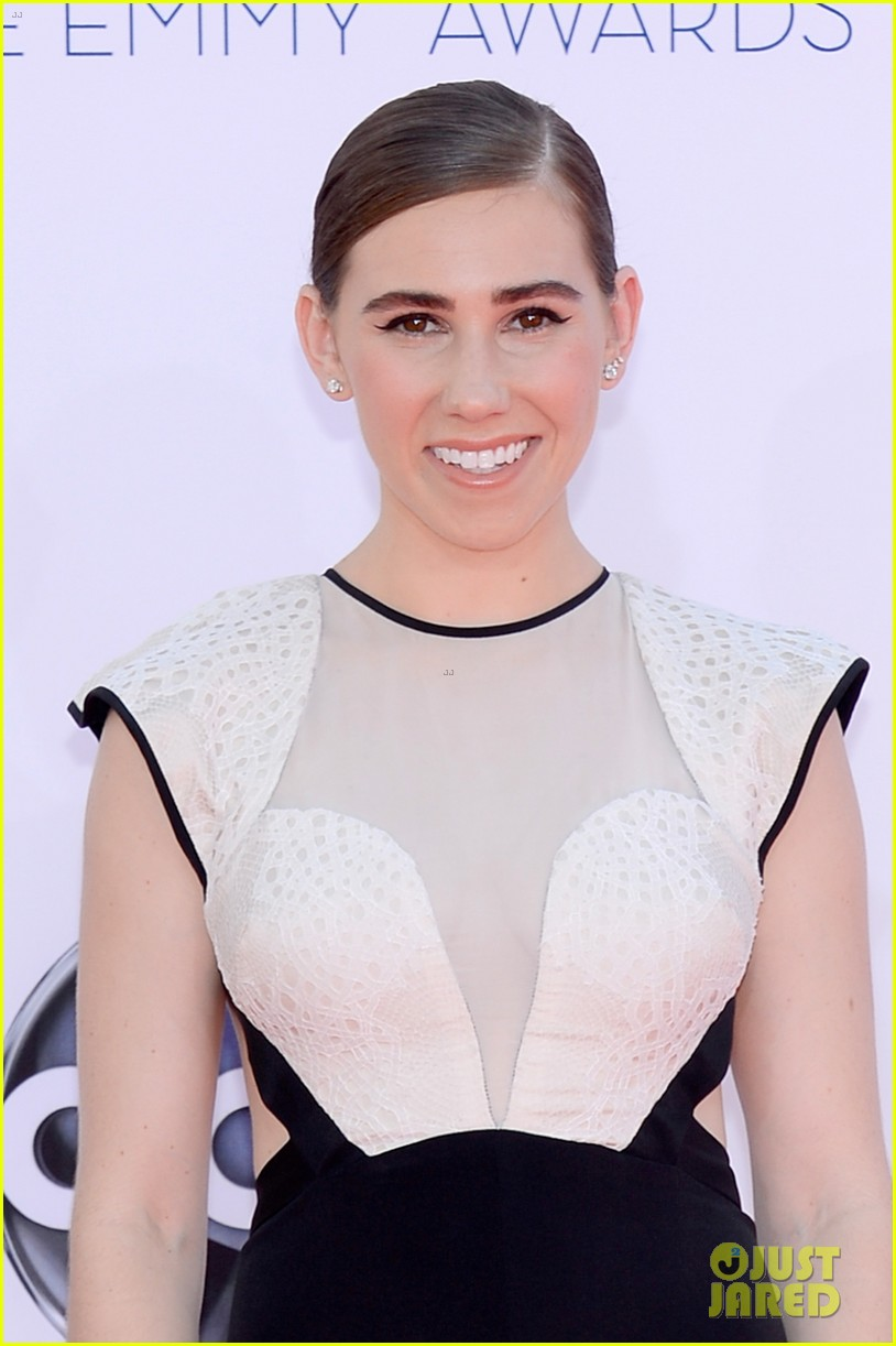 lena dunham allison williams emmys 2012 red carpet 06
