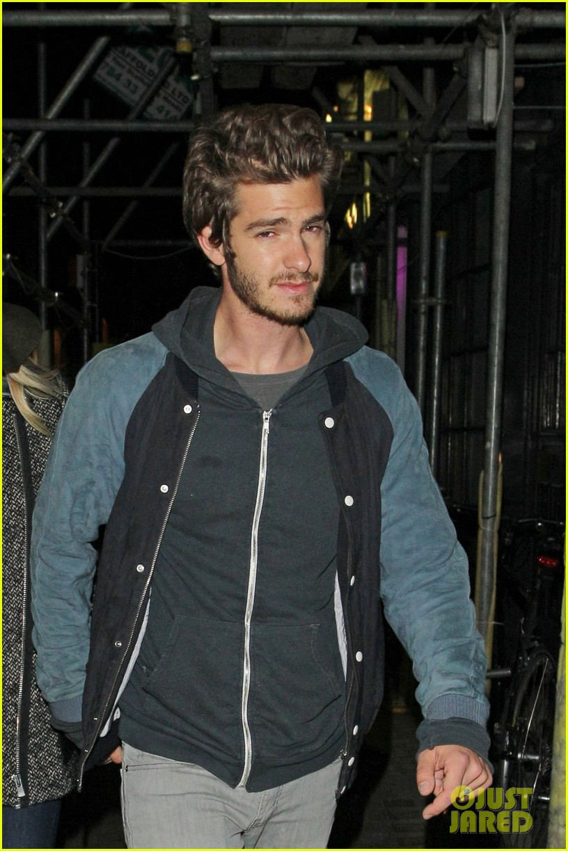 andrew garfield emma stone low profile in london 04