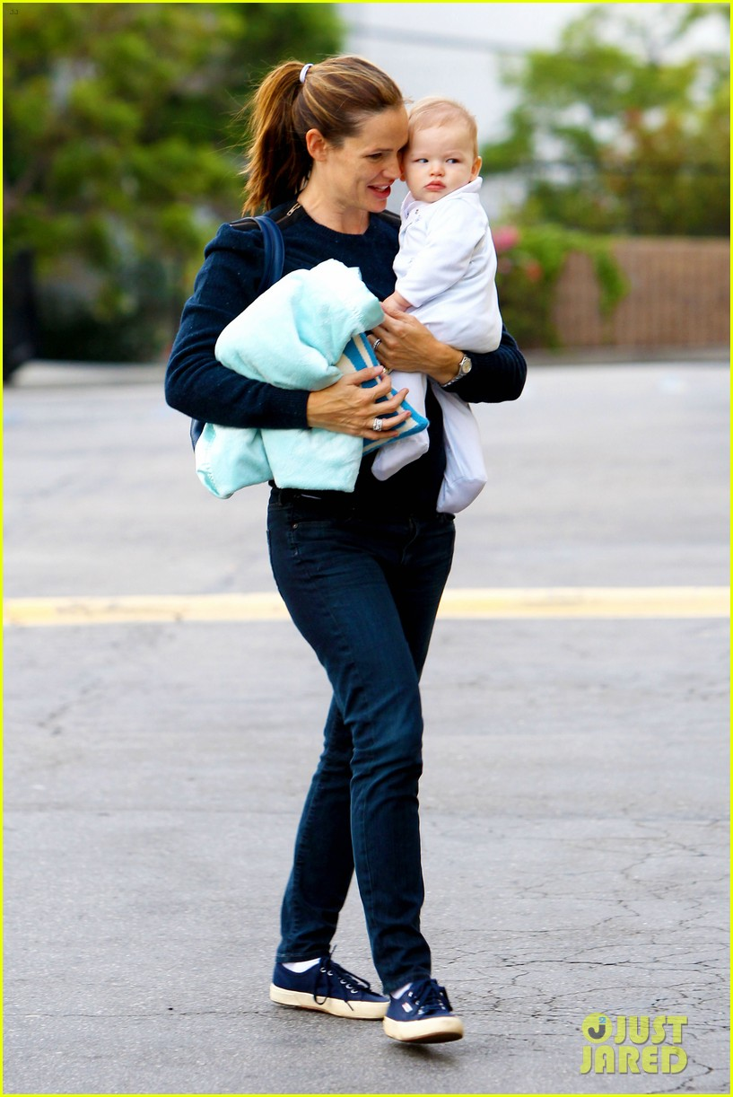 jennifer garner weekend outings with the kids 12