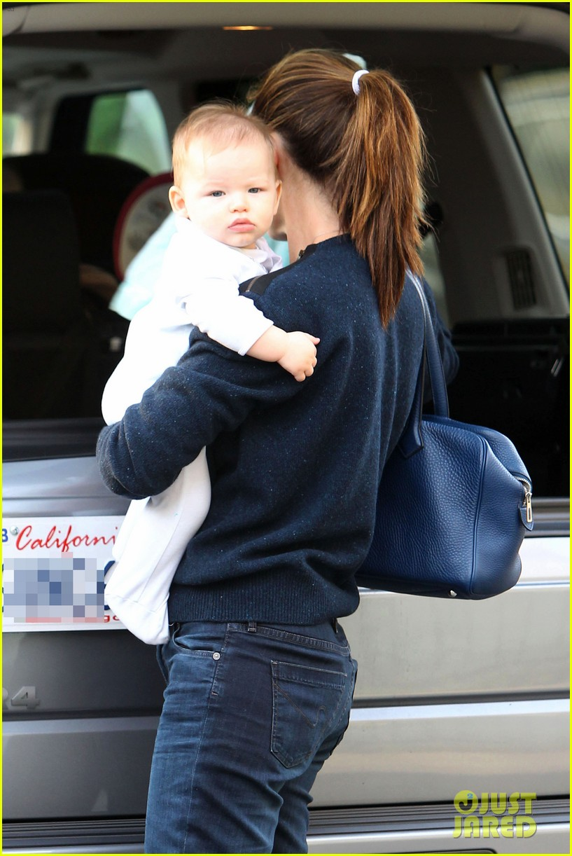 jennifer garner weekend outings with the kids 14