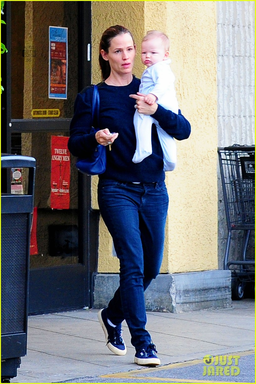 jennifer garner weekend outings with the kids 19