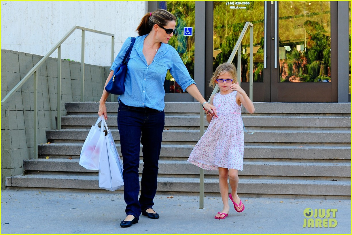 jennifer garner weekend outings with the kids 232728143