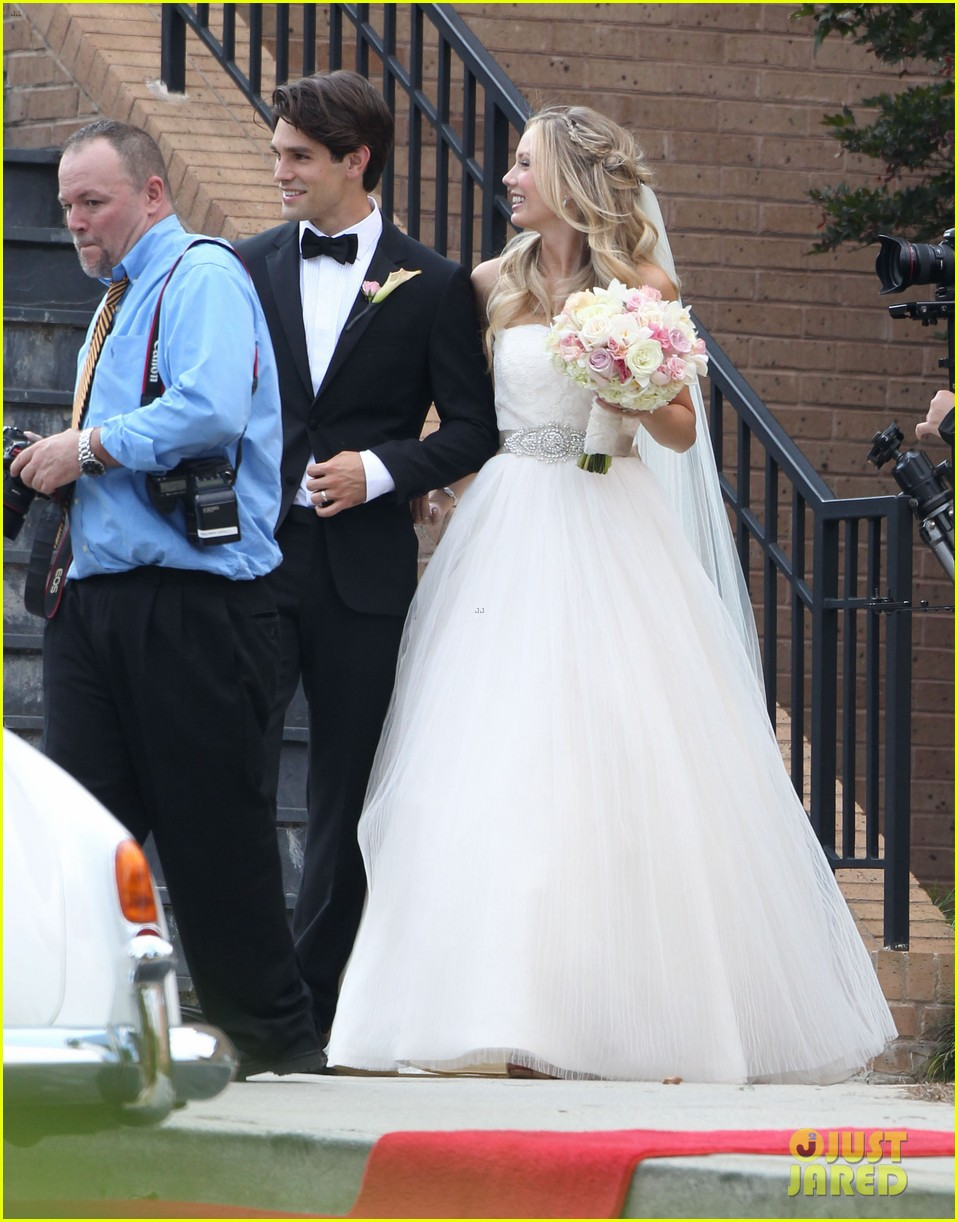 justin gaston weds melissa ordway first wedding pictures 07