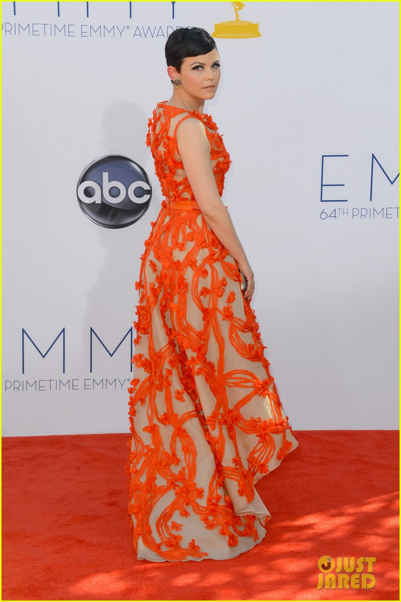 ginnifer goodwin emmy 2012 red carpet 052727149