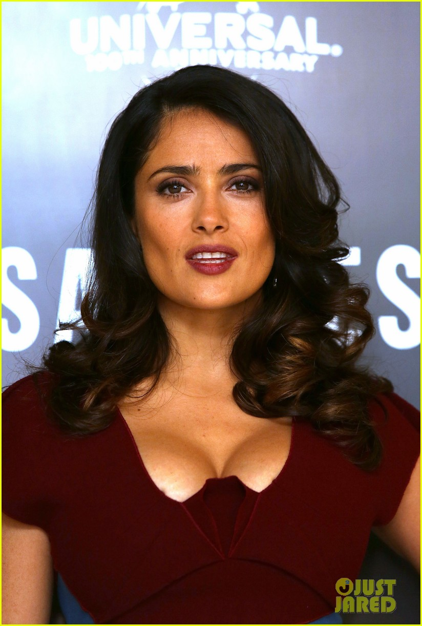 salma hayek savages photo call london 02