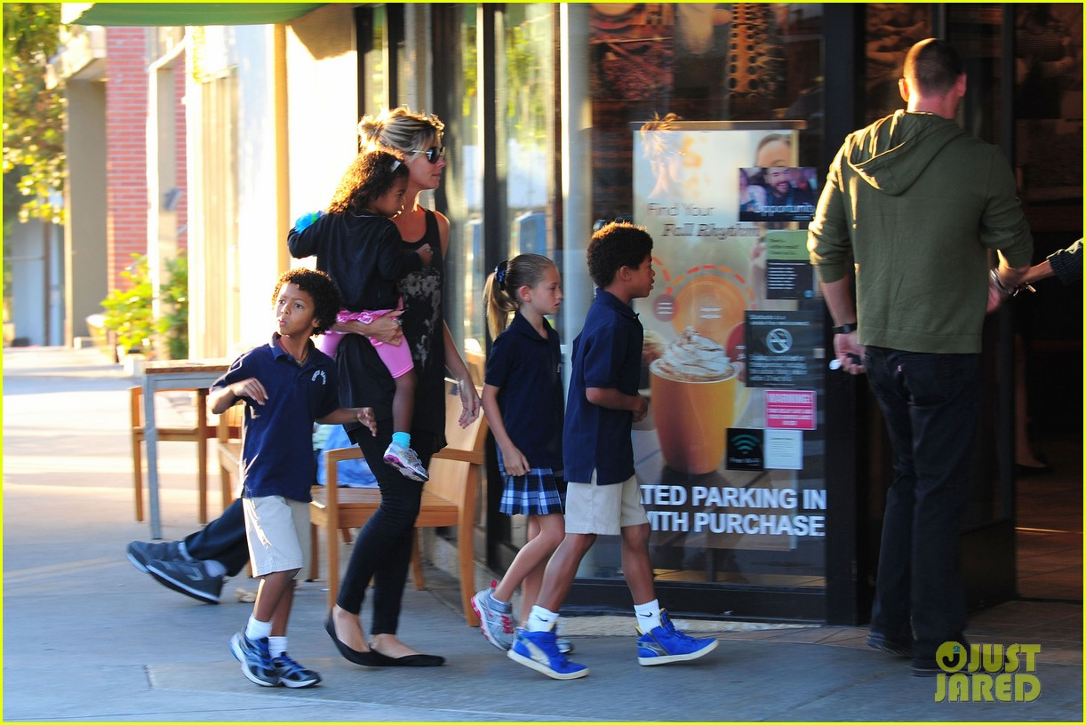 heidi klum starbucks run with kids 202725151