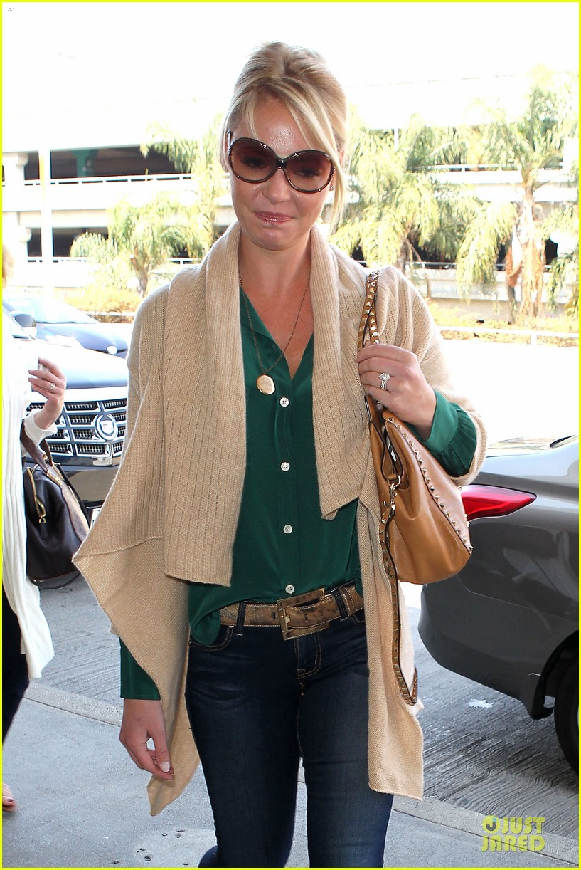 katherine heigl lax departure with mom 082718958