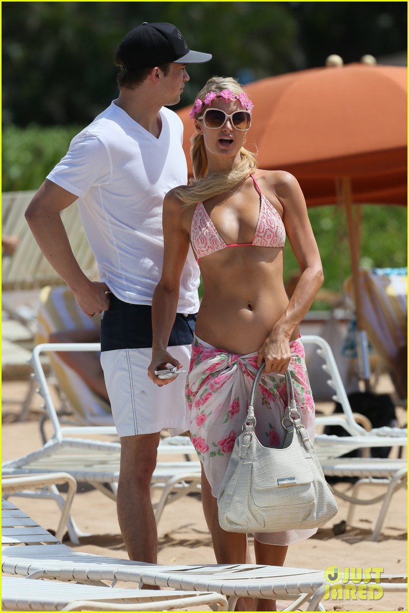 paris hilton river viiperi hawaiian beach vacation 222726833