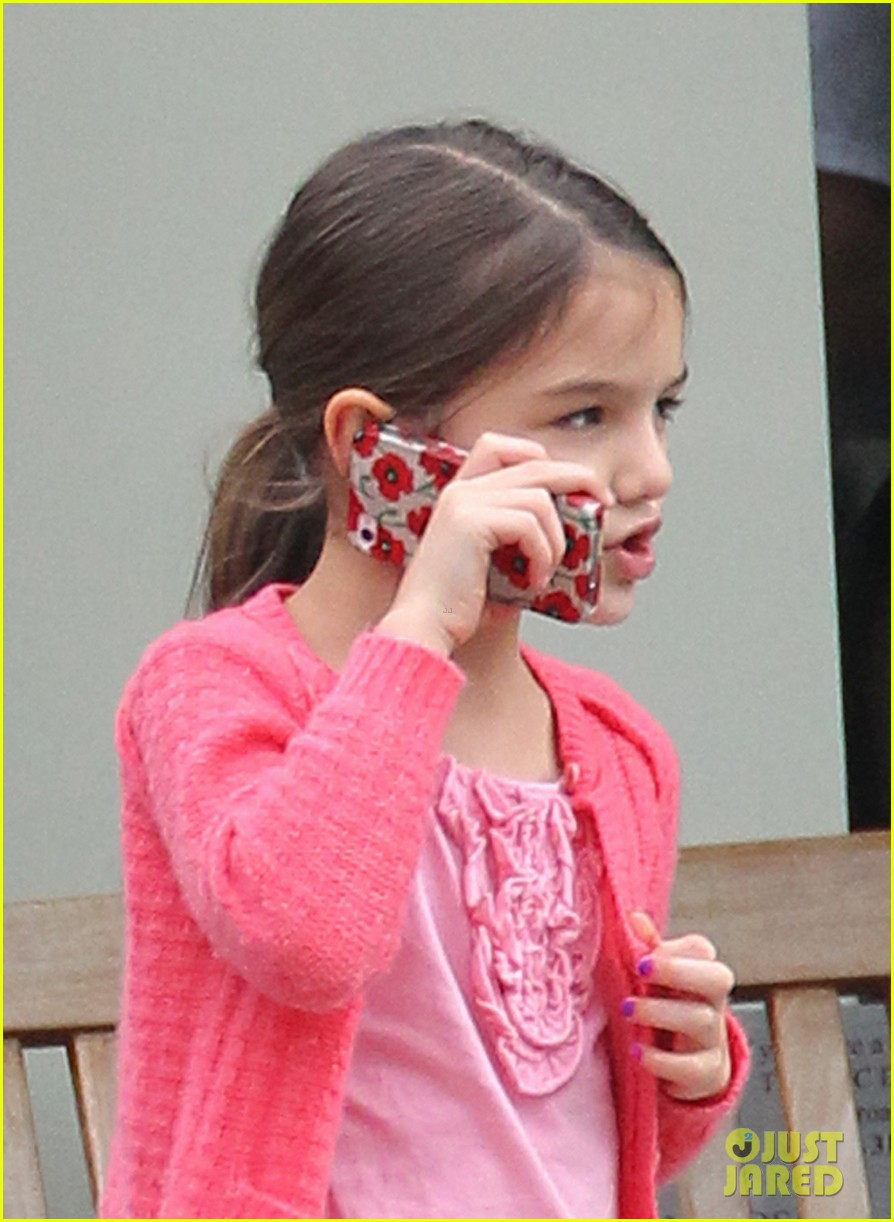 katie holmes suri mommy daughter brunch 02