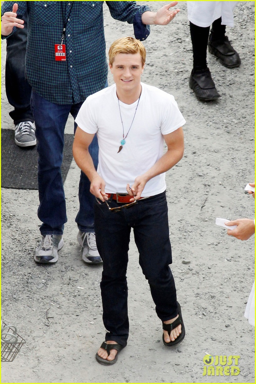 josh hutcherson first photos from catching fire set 012721293