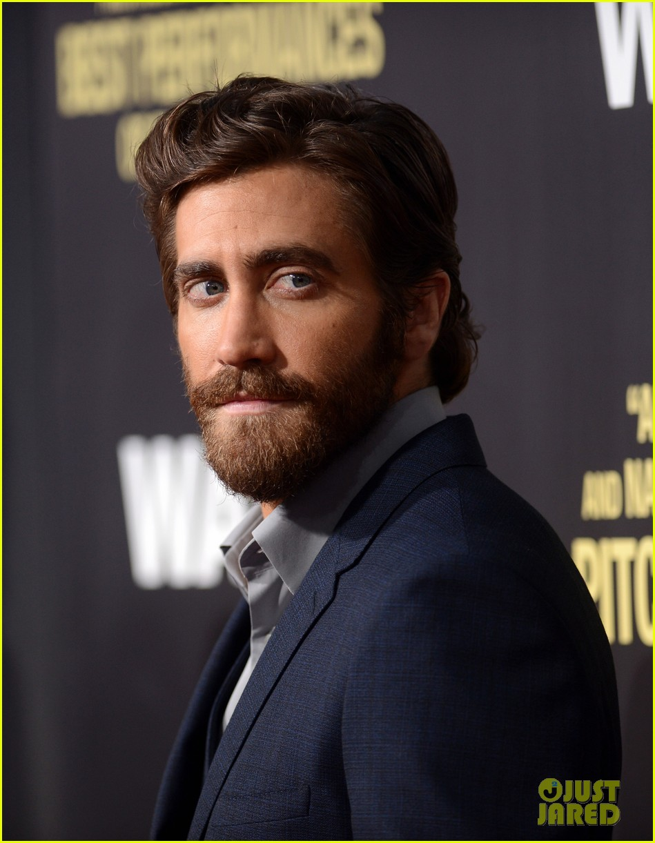 jake gyllenhaal anna kendrick end of watch premiere 05