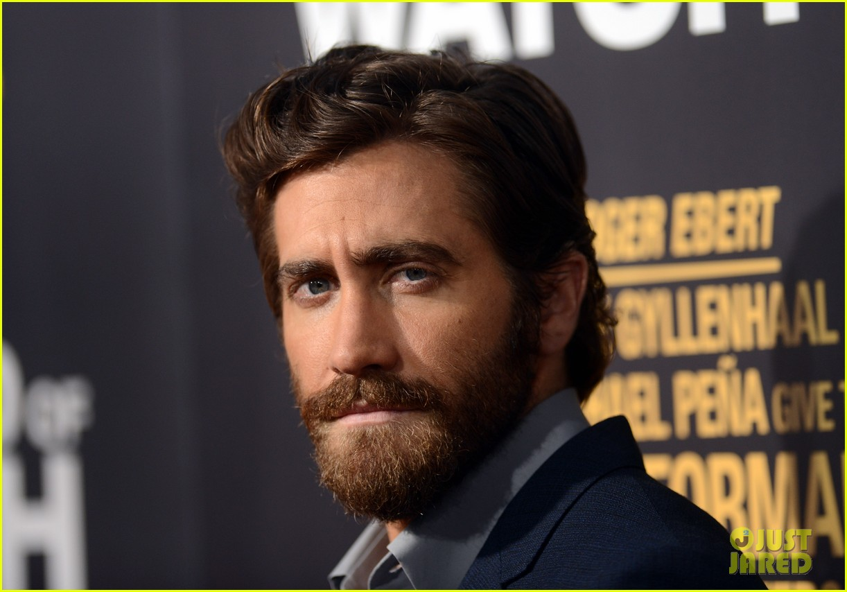 jake gyllenhaal anna kendrick end of watch premiere 06