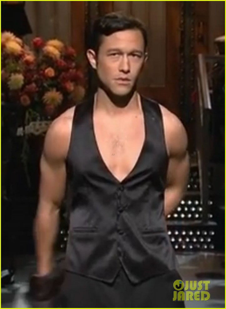 joseph gordon levitt shirtless magic mike dance on snl 01