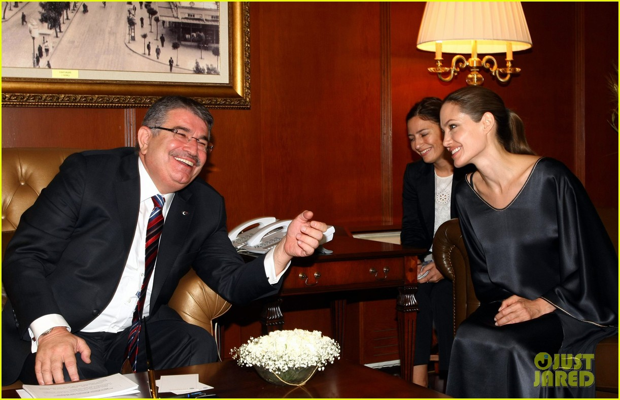 angelina jolie meets turkish prime minister 022721860