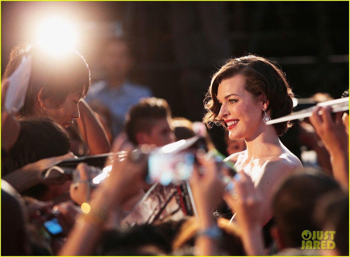 milla jovovich resident evil retribution japan premiere 062713407