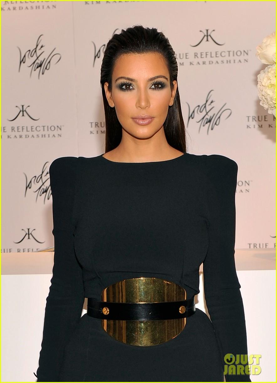 Kim Kardashian Perfume Kim Kardashian Perfume Signing