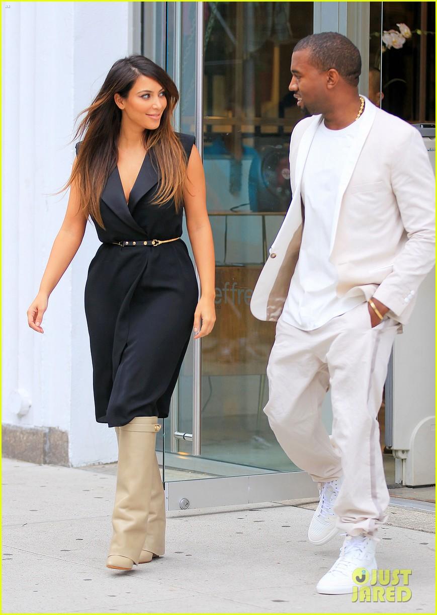 kardashian nyc shopper 022713129
