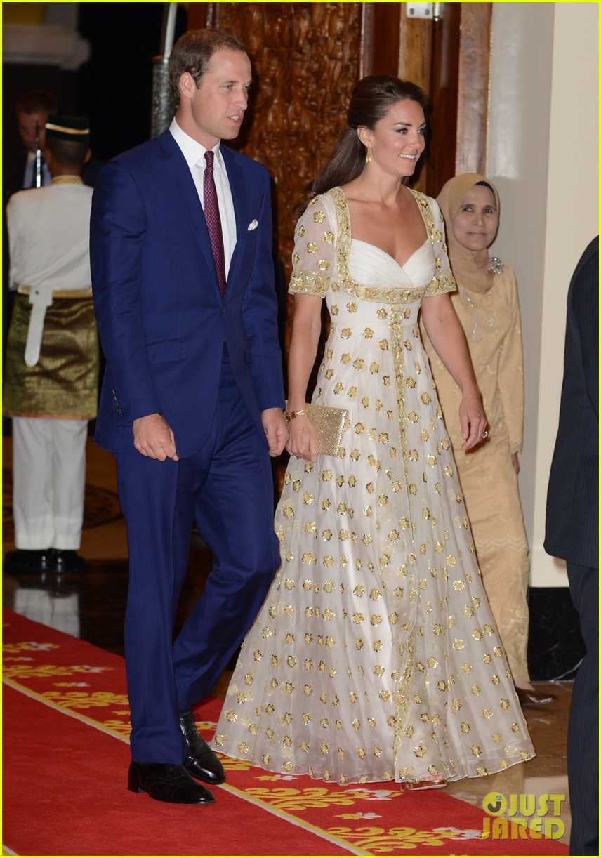 duchess kate prince william official dinner malaysia 01