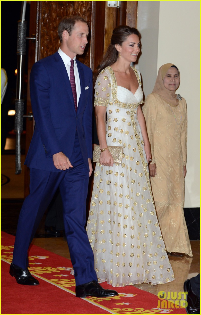 duchess kate prince william official dinner malaysia 11