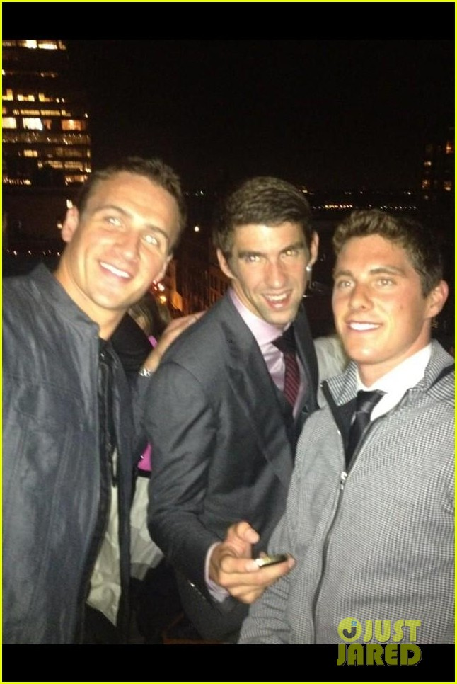 ryan lochte michael phelps reunite at nyfw event 03