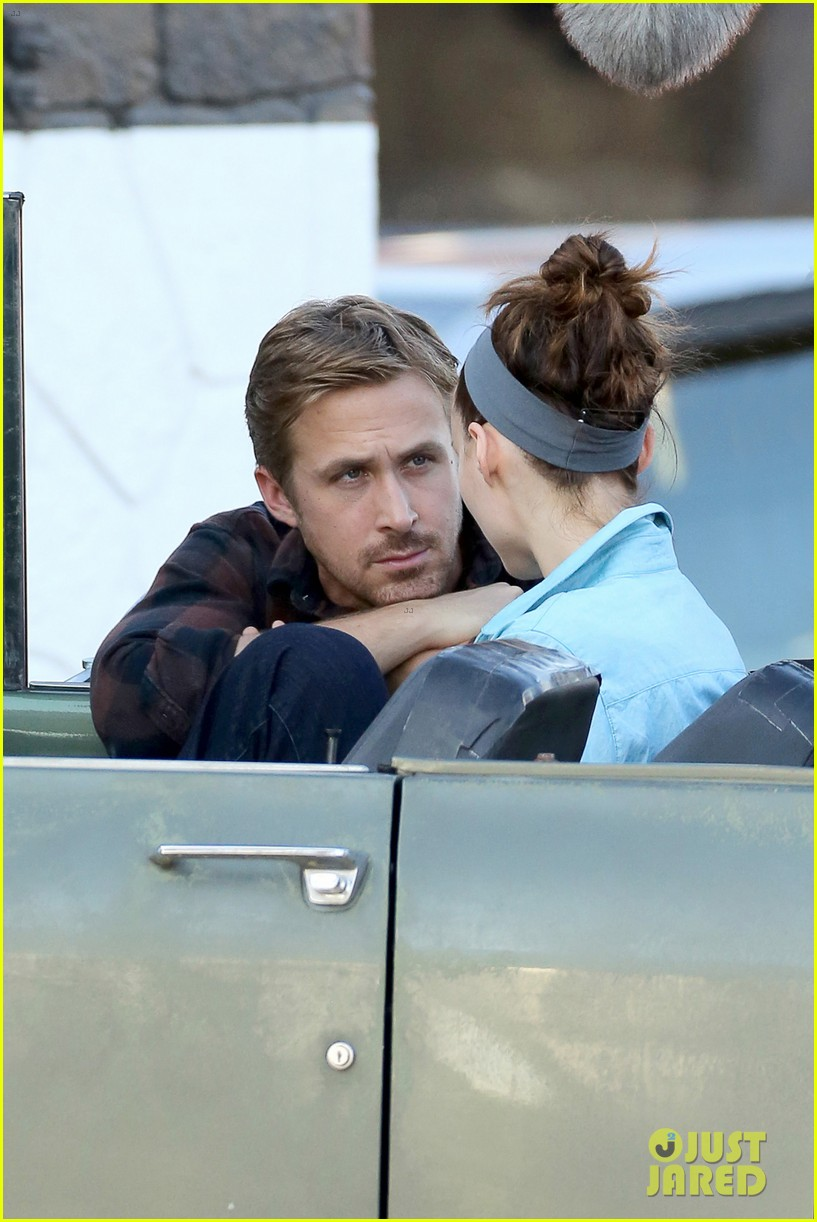 rooney mara pushes ryan gosling face on malick set 02