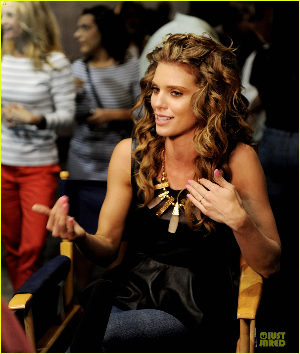 annalynne mccord 9010 100th episode celebration 03