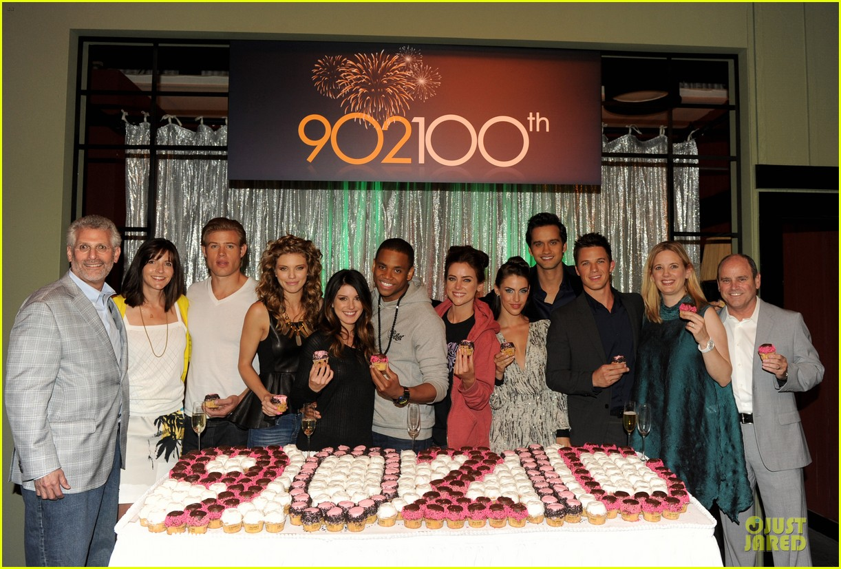 annalynne mccord 9010 100th episode celebration 07