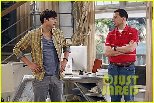 miley cyrus two and a half men stills 12