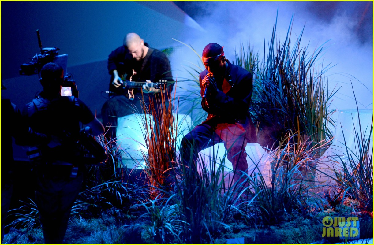 frank oceans mtv vmas performance 2012 watch now 01