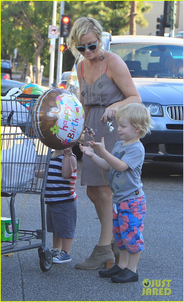 poehler birthday balloons 05